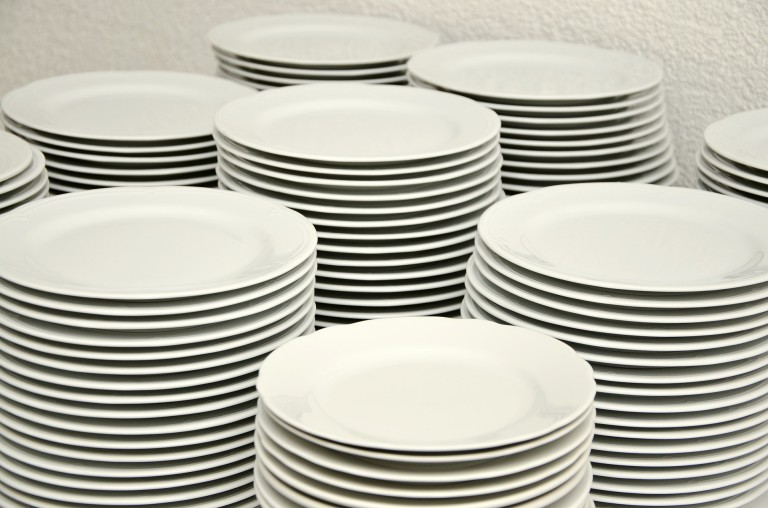 plate-stack-629987_1920